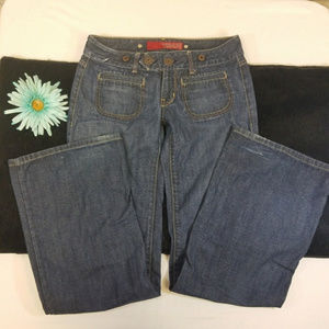 Flared Guess Jeans